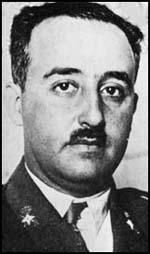 General Francisco Franco came under pressure from Adolf Hitler and Benito Mussolini to obtain a quick victory by taking Madrid. He eventually decided to use 30,000 Italians and 20,000 legionnaires to attack Guadalajara, forty miles northeast of the capital. On 8th March the Italian Corps took Guadalajara and began moving rapidly towards Madrid. Four days later the Republican Army with Soviet tanks counter-attacked.