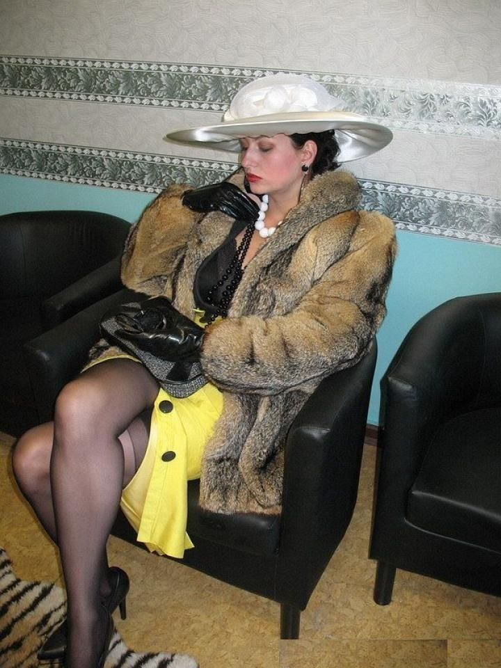 A Wealthy Powerful Lady Waits For Her Apointment With One