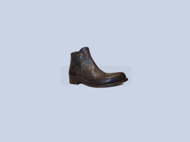 Chiudi  Modifica descrizione #ducciodelduca #ichooseyou #leather #madeinitaly #buffalo #milano #parma #london…