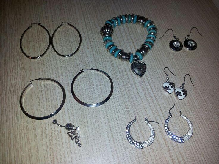 Pendientes,piercing y pulsera de Crazy Factory.
