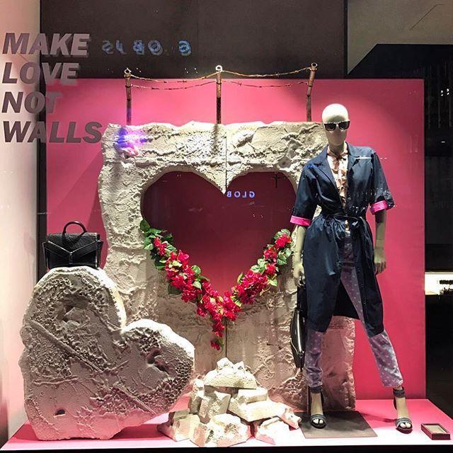 WEBSTA @ visual_window - ❤️ Make LOVE not walls ❤️ ......#windowdisplay #merchandising #amazing #sales #visualmerchandising #art #design #vm #store #diesel #zurich @flavia_aronne