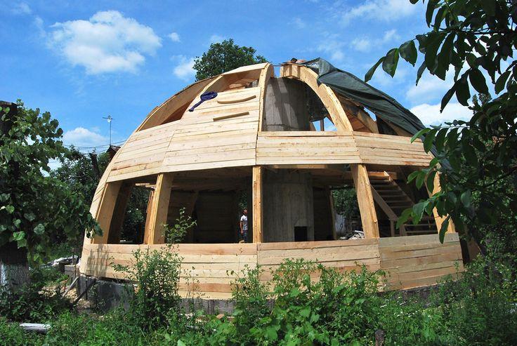 die besten 25 kuppelh user ideen auf pinterest rundhaus kuppel haus und geod tische kuppelh user. Black Bedroom Furniture Sets. Home Design Ideas
