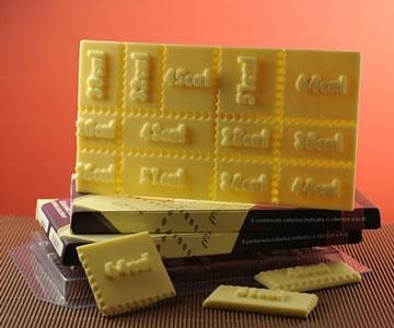 ROMPIBOLLO: Tavoletta di cioccolato fondente senza zucchero, con calcolo reale delle calorie per ogni cubettino di cioccolato.