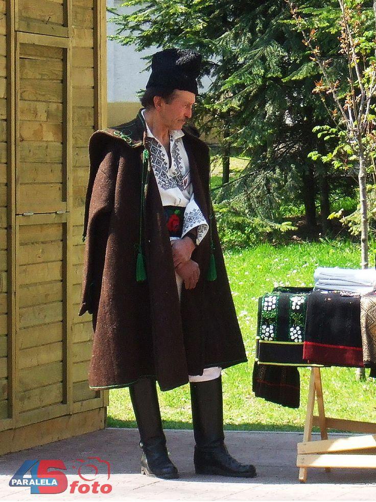 Bucovina: http://paralela45.ro/