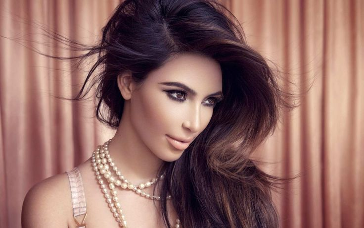 Kim Kardashian  https://lc.cx/4H8x