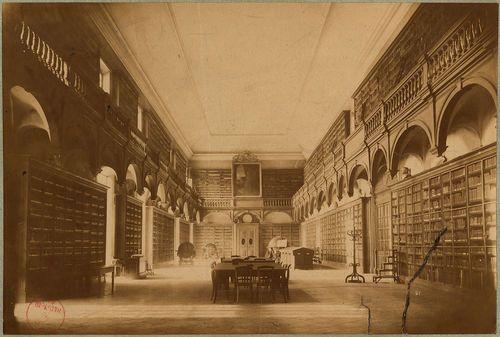 Collège de la Trinité au 19e siècle #bibliothèque