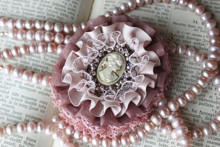 Old pink brooch with cameo from From Lucky Lonny With Love by DaWanda.com