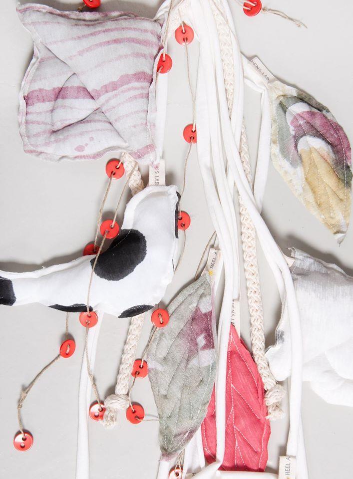 Handmade wall decoration 'Leaves'.  100% Organic Cotton.  #heelathenslab #heelathens #heelhome #walldecoration #cottonleaves #inspiredbynature #handpainted #homecollection #organiccotton #organicotton #weloveorganic