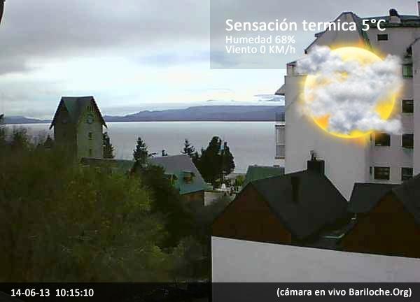 Tengan todos un buen Viernes!! Día fresco en Bariloche, mínima de 0º máxima 6º por la tarde lluvia. ¿Querés saber como va a estar el clima para el finde? http://www.bariloche.org/clima/  Imágen actual cámara en VIVO Bariloche.ORG