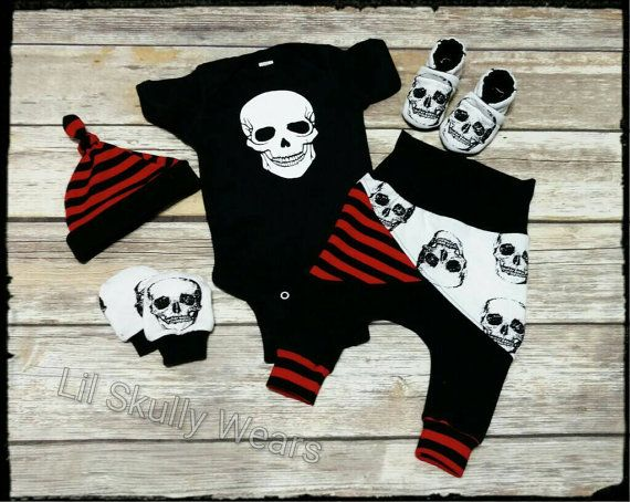 Newborn Coming Home Outfit, Newborn Outfit, Baby Hospital Outfit, Take Home outfit, Skull Baby, Baby Boy, Skull, Baby Pirate, Pirate Kid,