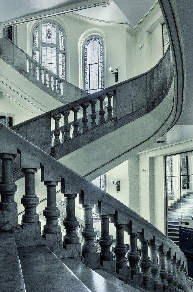 La casa Matesanz es un edificio ubicado en el número 27 de la Gran Vía de Madrid (España). Su construcción finalizó en el año 1923 y fue diseñada por el arquitecto Antonio Palacios Ramilo.El estil…