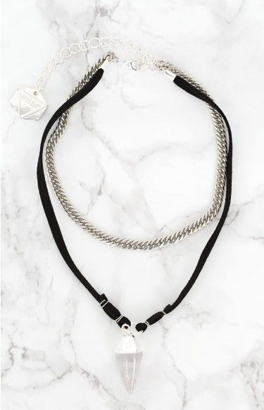 A gorgeous statement piece, the Minc Collections Clarity Choker will add an edgy touch to any look! Add it to a white shift dress for effortless day chic, or an LBD and a red lip to rule the night!