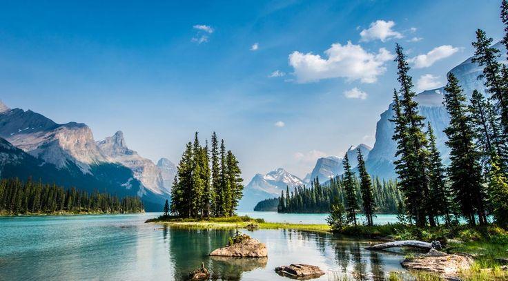 Maligne Lake Cruise of Spirit Island Jasper | Brewster Travel Canada