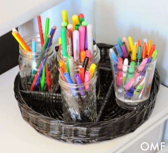 25 of My Best Organizing Hack: Cups for organizing crayons:: http://OrganizingMadeFun.com