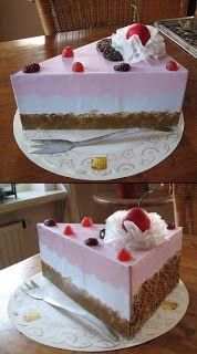 Sinterklaas surprise: Taartpunt (slagroom = zakdoekje, kers = piepschuim balletje, versiering = chocolaatjes/snoepjes/nootjes) (@ Alma's Design)