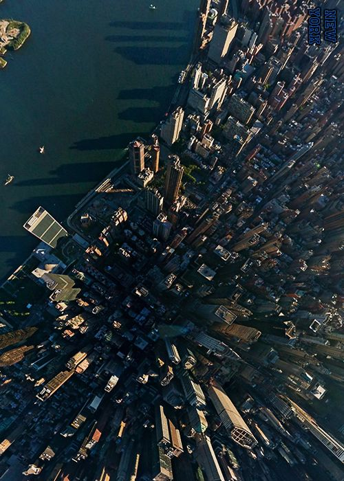 This is what New York's Manhattan Skyline looks like from above!