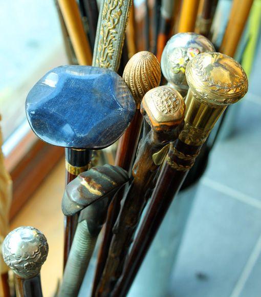 vintage walking sticksBeautiful Handles, Umbrellas Artisan, Paris Umbrellas, Antiques Umbrellas, Vintagee Umbrellas, Walks Sticks, Vintage Beautiful, Vintage Umbrellas, Canes