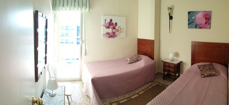 This bedroom offer two beds and direct access to the balcony towards the harbour. www.wonderful-calpe.webs.com