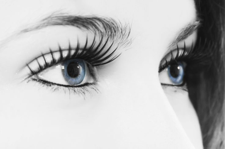 How to Get Free Contact Lenses
