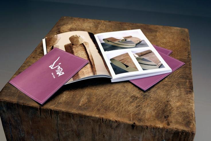 Dima-design  Anno: 2009  Progettazione del catalogo prodotti e del poster promozionale per la galleria di arte e design Dima-design.