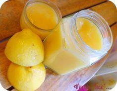 Lemon curd (sans beurre) 2 citrons non traités, 100g de sucre, 2 oeufs, 1 cuillère à soupe de maïzena