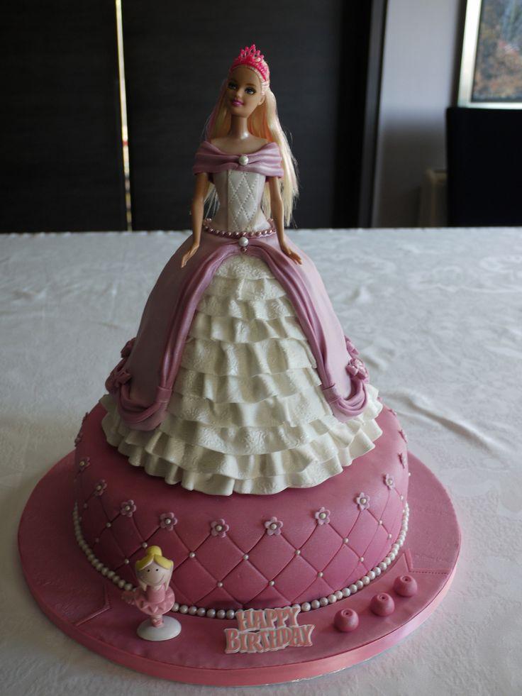 Barbie Cake Design Goldilocks : 1942 best Doll Cakes images on Pinterest Barbie cake ...