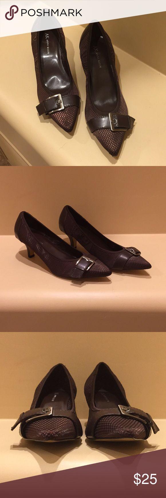 """Anne Klein 2 1/2"""" brown pumps w/buckle Anne Klein 2 1/2"""" brown pumps w/buckle Anne Klein Shoes Heels"""