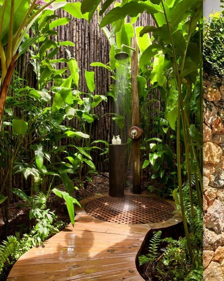cool-outdoor-shower