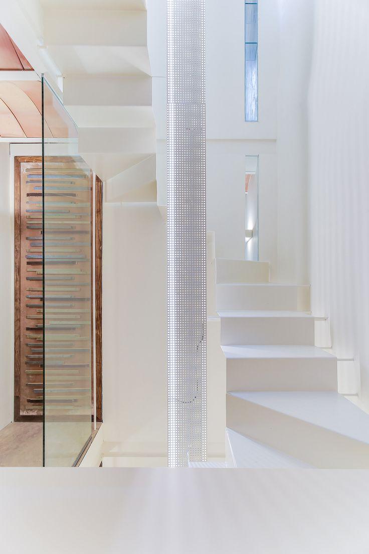 M s de 25 ideas incre bles sobre casa estrecha en for Donde ubicar las escaleras en una vivienda