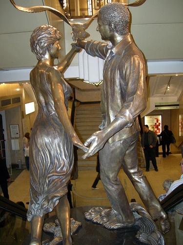 Statue of Diana, Princess of Wales and Dodi al-Fayed, son of the current Chairman of the Board of Harrods.
