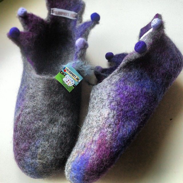 Purple rain! Handmade felted slippers by Philosopher's Joke.