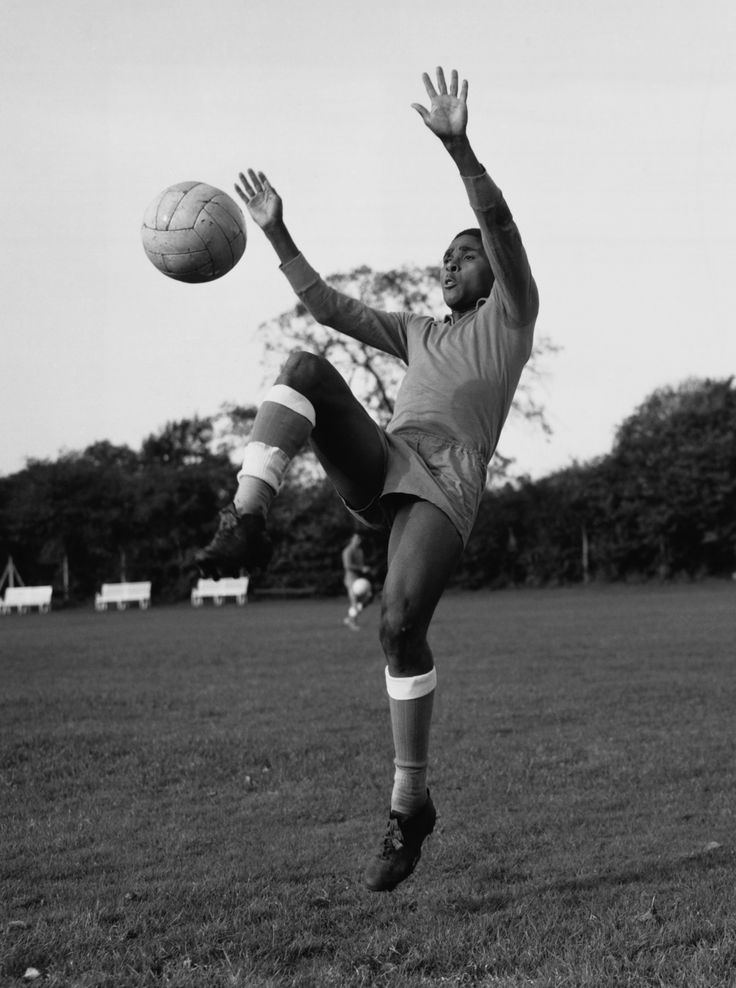 Eusebio, Portugal (Benfica, Portugal), 19-year-old, 1961.