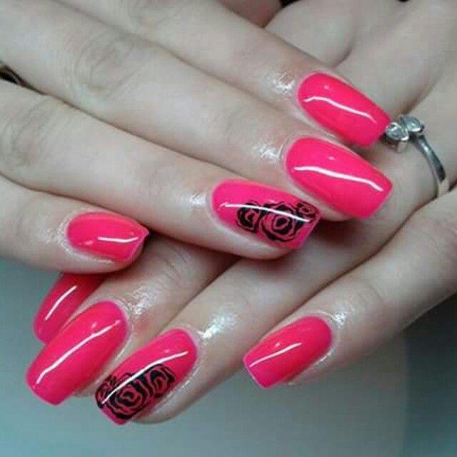 Pink-redish nails