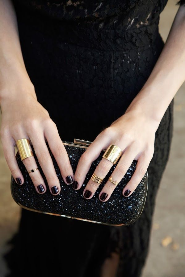 Loving all of the textures. Plus, is it possible to fail when pairing black w/ gold? Nope, it isn't. [Atlantic-Pacific: guest bartender // BaubleBar X BEE]
