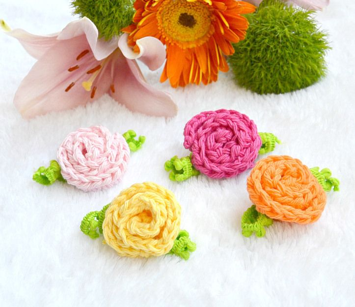 Small Beginner Crochet Deco Roses Free Crochet Pattern from Mama in a Stitch