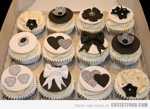 Cup Cakes with style! Want to add real elegenaceto your wedding? try thse stylish and cup cakes with bling. Yum on so many levels  http://cutestfood.com/5071/black-and-white-cupcakes/