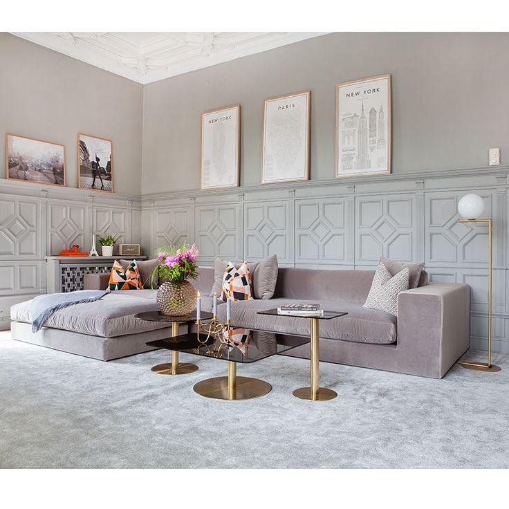 Elegant #6-sits #sammetssoffa Stradford med #pall Stradford i sammet. Just nu på #KAMPANJ hos oss på #hemdesigners.se #Styling - inredare Lovisa Alcén @lovisaalcen #interior #interiordesign #rumdesign #ruminredning #interior_and_living #interior4you #interior2you #inredning #interiordesign #finahem #onlyinterior #roomforinspo #mitthem #finahem #lovelyinterior #hem_inspiration #finahem #lovesammet #sammet #Hem_design #nordiskahem #charminghomes #nyahemmet