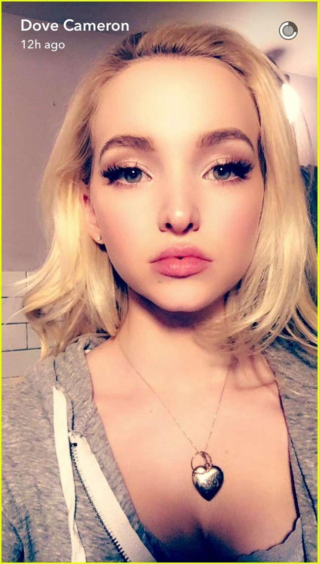 dove cameron shows off engagement ring 01