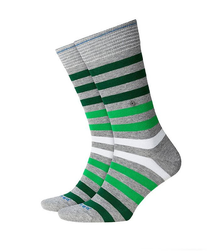 Descubre la nueva colección de CALCETINES BURLINGTON para hombre. La serie Blackpool ofrece colorido para alegrar tus pies y zapatos. Envío Urgente 24-48 h.