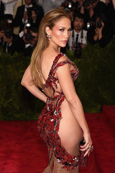 Jennifer Lopez flaunts her famous booty.