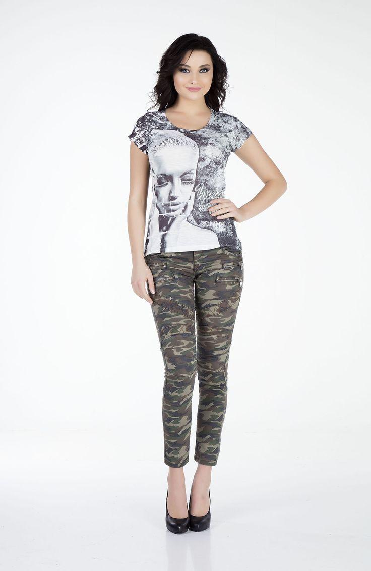 Nuevo  Pantalón slim fit camuflaje con el talle medio-bajo y apliques de cremallera a la altura de la cadera.  Composición:68% Algodón+ 30 Poliéster +2% Elastan.
