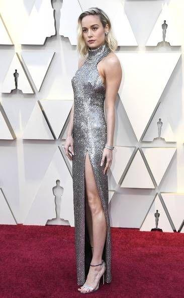 fa49a11d3 Brie Larson - Oscar 2019 | Moda em 2019 | Looks, Tapete vermelho e Oscar
