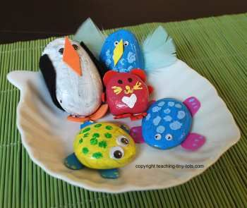 pet rock journals - Students create a pet rock and then keep a journal of the rock's adventures.