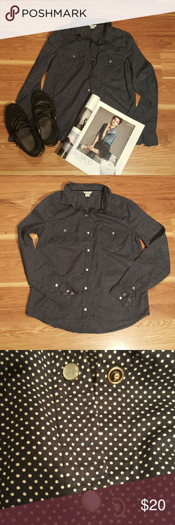 🆕F21 navy blue button down shirt☯ Cute and casual button down shirt in Navy Blue with white Polka dots. Lightweight fabric....100% cotton. Worn once. Make me an offer ladies!!! Help me clear out my closet!! Forever 21 Tops Button Down Shirts