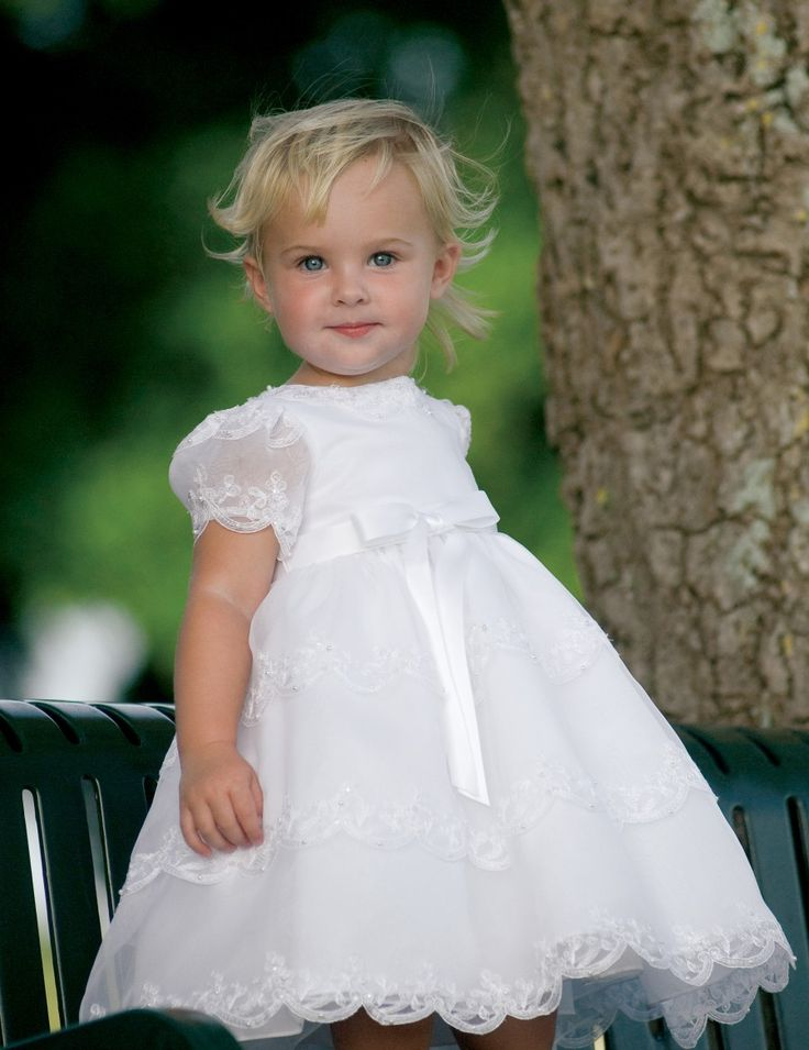 White or ivory Flowergirl Dress Petra. What a Beauty!