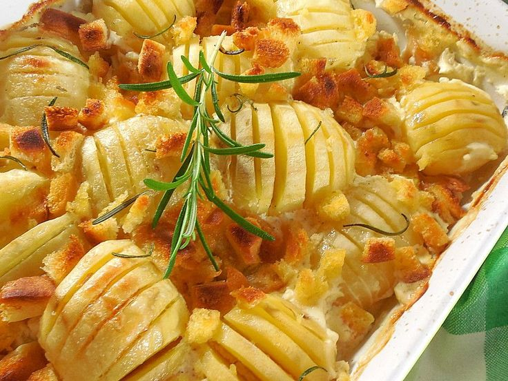 Schwedische Kartoffeln, ein beliebtes Rezept aus der Kategorie Backen. Bewertungen: 377. Durchschnitt: Ø 4,6.