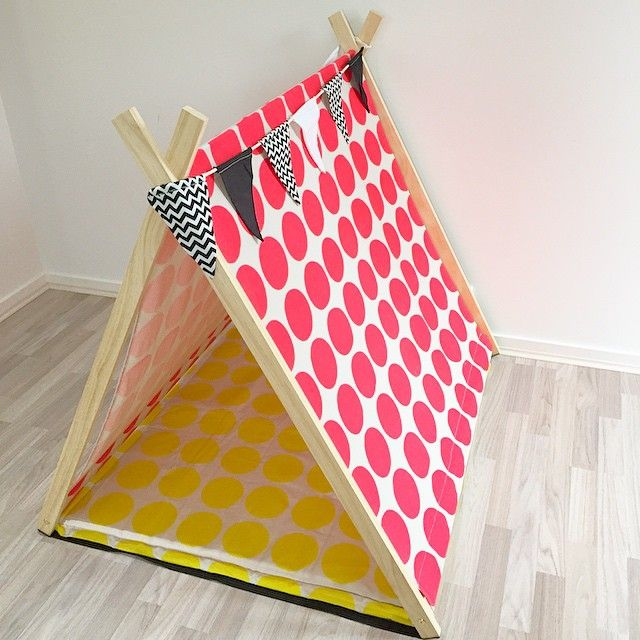 Neon pink spots play tent | monochrome bunting | Bright yellow spots mat