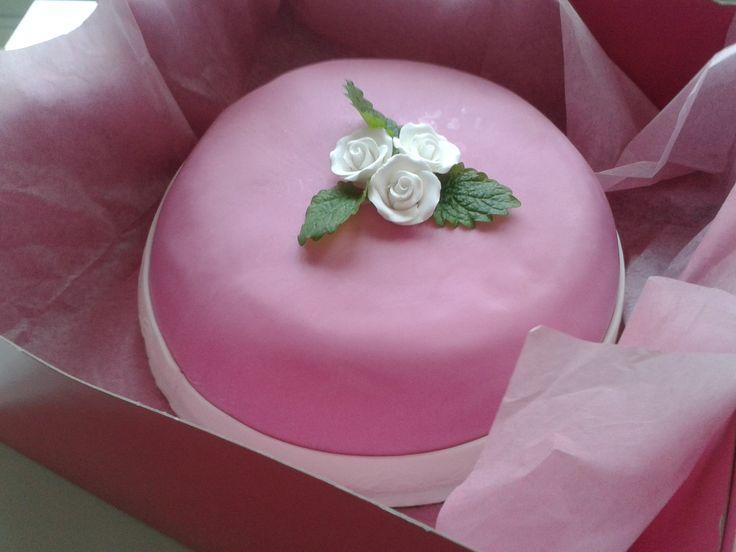 Perinteinen Prinsessa-kakku
