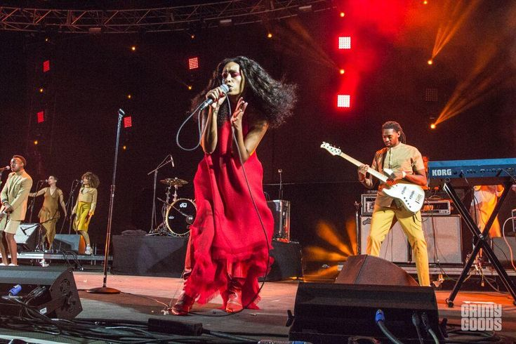 Solange hindered by late start, technical snafus at FYF