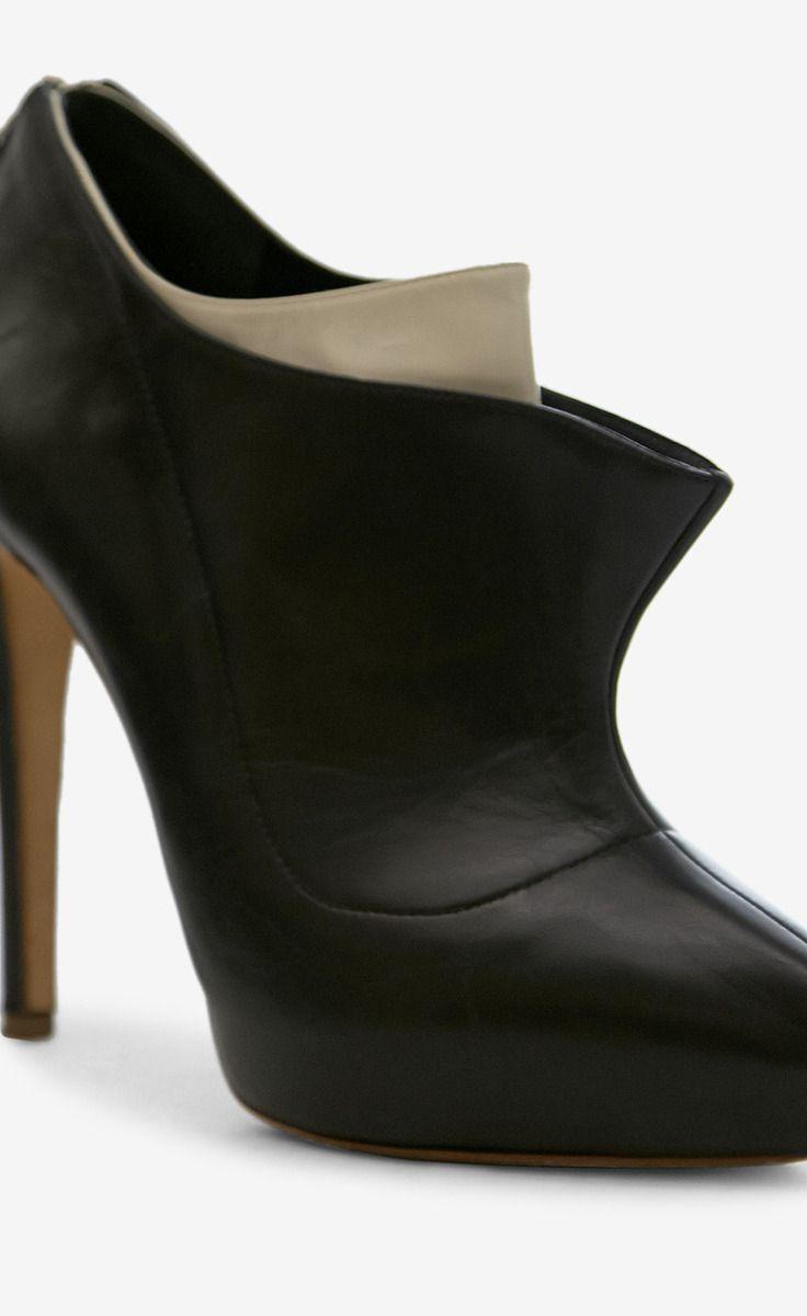rupert sanderson black and white booties vaunte like